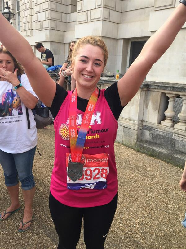 Greenhithe woman runs London Marathon to help scientists find a cure for cancer that took close friend