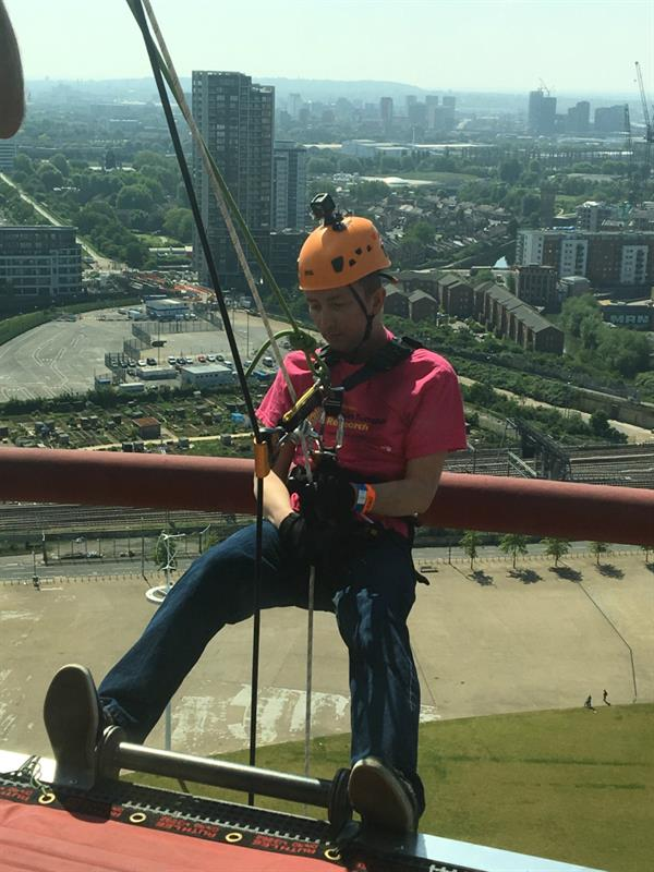 Canary Wharf resident braves the UK's highest freefall abseil to raise funds for Brain Tumour Research