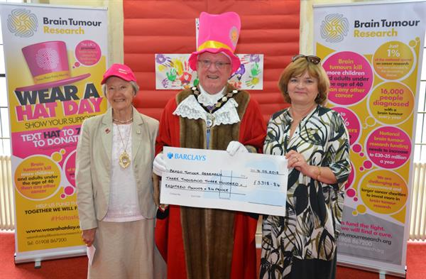Mayor of Exmouth celebrates town's fundraising with cheque presentation