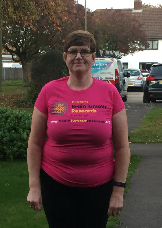 Mum-of-three's running challenge in memory of dad lost to a brain tumour