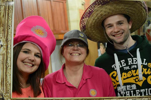 Mottingham widow urges local community to  get their Hats on for Brain Tumour Research!