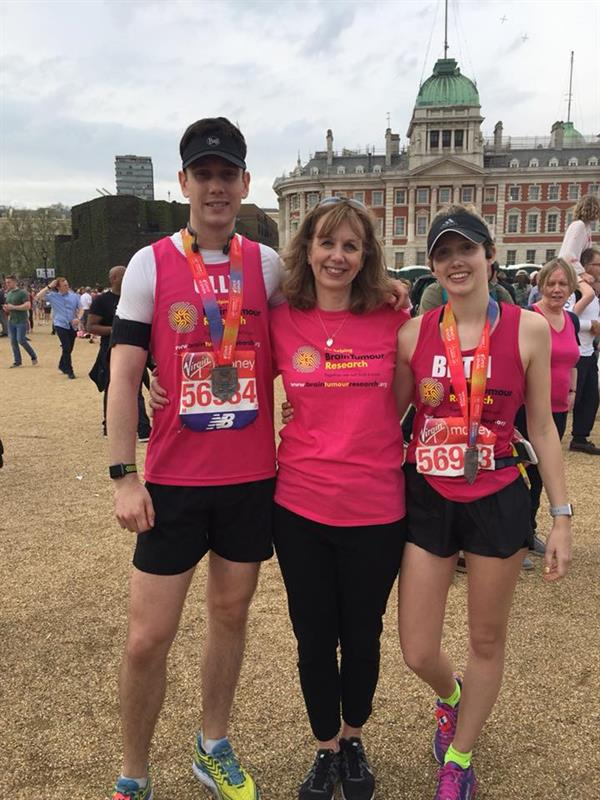 """Dad was watching over us"" – siblings complete Marathon challenge for charity after losing beloved father to brain tumour"