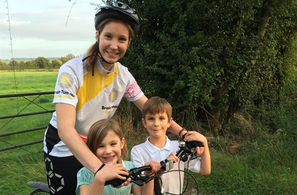 Cycling challenge in memory of young dad killed by brain tumour