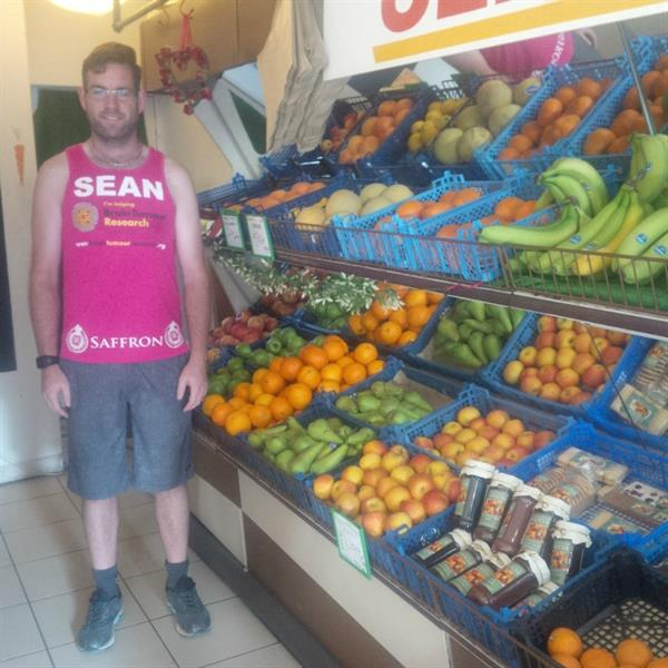 Greengrocer runs for research into brain tumours