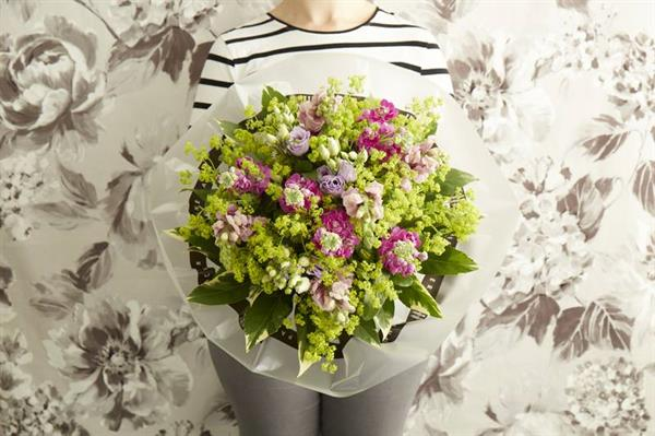 Calling all Florists:  Announcing 'Flowers for Hope Week'  in memory of Jane Packer