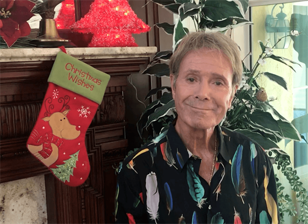 Sir Cliff sends message of support to chart-topper Lyra